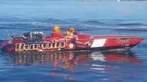Burnin ski boat