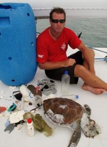 ocean_crusaders_clean_up_boat_gold_coast (746x1024)